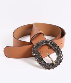 Cinto feminino    Maxi    Com pedras    Marca: Satinato    Material: sintético                Veja outras opções de    cintos femininos.