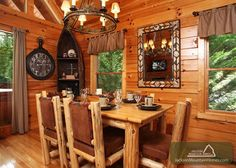 Paxton's Creek - This cabin is gorgeously decorated! This is the kind of cabin that you will want to return to over and over again!