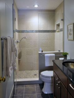 Same opposite layout of my master bathroom. Tiny Bathroom Design, Pictures, Remodel, Decor and Ideas - this House Bathroom, Bathroom Inspiration, Bathroom Remodel Shower, Bathrooms Remodel, Small Bathroom With Shower, Small Space Bathroom, Bathroom Remodel Designs, Tile Bathroom, Bathroom Layout