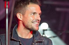 Gorgeous ... Brandon Flowers