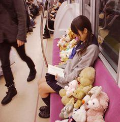 女子高生とお友達 girl student with her friends