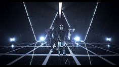 Beast is freaking PERFECT gosh!! ♥.♥ their choreography in this video is epic and I like how at first you get the feeling that it will be another ballad and then POW! it starts getting all dancy-dance they are just PERFECTION ♥.♥ Love Junhyung's rap too he is gorgeous and Gikwan arrrggghhh lol ♥.♥