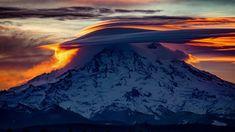 Early risers were treated to an impressive sunrise in the PNW this morning! [Washington USA] [OC] [6000x4000] #TravelDestinationsUsaNovember #TravelDestinationsUsaWashington
