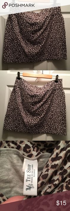 Knit leopard print mini skirt I gained weight and so I'm selling all my clothes 😩 this gem is looking for a new home!  This is in Great condition. Comes from a good clean home. No stains rips or holes. No smells. Please ask any questions you have and make an offer with the offer button!!! 😘 Victoria's Secret Skirts Mini