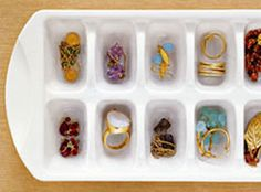 Ice cube tray as jewellery storage. Earring Storage, Jewellery Storage, Jewellery Display, Jewelry Organization, Organization Ideas, Organizing Tools, Jewelry Tray, Opal Jewelry, Closet Organization