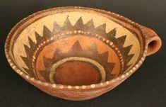 Materiales: Cerámica  Periodo: Intermedio Tardío 1100- 1470 d.C.  Medidas: 72mm de alto  Código de pieza: MCHAP 2837  Ver cultura Maytas-Chiribaya