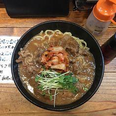 2016/11/03 18:59:06 junpui こんばんワイン🍷 今夜は吉法師で牛肉まぜそば頂きました(´ω`) 甘い味から始まって、ラー油を二周かけると辛味に味変🍜 そしてお酢を二周かけるとサッパリ味に。  最後の〆の本番は和風リゾットで✨  スープの出汁なんて最高´д` ; 鶏なのか豚なのか全く分からず。。 7のカメラ、すこぶる調子良いです^_^ no editです。 、、、、押忍ごっつぁん!  #まぜそば#ramen#noodle#noodles#ラーメン#🍜#拉麺#ラーメンインスタグラマー#麺#麺スタグラム#🍥#food#dinner#soup#キムチ#本番#吉法師#リゾット#risotto#meat#文化の日#🇯🇵#tokyo#らーめん#健康#夢#福生#foodporn 吉法師 #健康