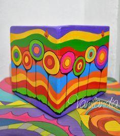 #fibrocemento #obsequiaron #conjugando #interior #titulado #medidas #cuadro #maceta #jimena #valle #para #tipo #cubo #que #conmaceta tipo cubo en fibrocemento  medidas 15x15 para Jimena  conjugando con un cuadro mío Titulado: El Valle Interior que le obsequiaron. Painted Clay Pots, Painted Flower Pots, Hand Painted Ceramics, Cool Art Projects, Mosaic Projects, Clay Pot Crafts, Diy Crafts, Painted Sticks, Hand Painted Furniture