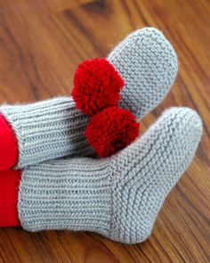 Free Knitting Pattern for Nola's Slippers - Nola Miller designed this versatile easy pattern in garter stitch and rib. Project with pompoms by AliceKathryn
