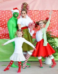 20 Hilariously Awkward Family Christmas Photos: 20 Hilariously Awkward Family Christmas Photos