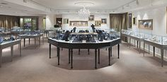Refined authority in the jewellery department   20.20