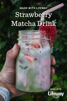Skip the long wait at the drive-thru and make your own Strawberry Matcha Drink. We whipped up a gut-healthy version with creamy strawberry kefir. Matcha Drink, Farmers Cheese, Kefir, Original Recipe, Cucumber, Smoothies, Frozen, Strawberry, Drinks