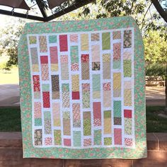 Another version of my Matchsticks quilt pattern! This one was made using all @figtreeandco fabrics! ❤️❤️❤️Link to the pattern in my bio! #showmethemoda #quiltpattern #layercakequilt #quiltsofinstagram #quilting