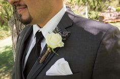 Rose boutonniere tied with jute. Photography by Pam @ http://www.savoringthesweetlife.com.#wedding #boutonniere #rose