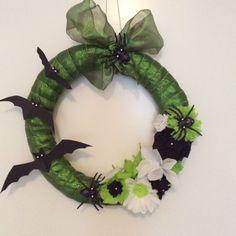 Halloween krans in het groen.  Gemaakt door Eline Vanden Eynde