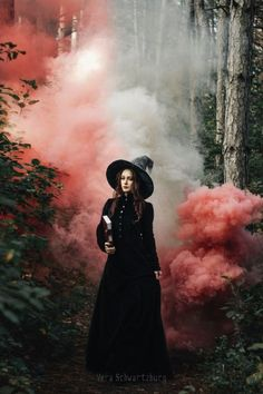 A witch emerges... Photo by Ireth Alcarin (title given by me). #witches