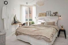 quarto decorado com tons neutros, decoração neutra para quarto casal