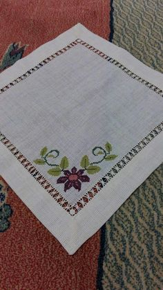 This Pin was discovered by GÖN Cross Stitch Heart, Cross Stitch Borders, Cross Stitch Designs, Cross Stitching, Cross Stitch Patterns, Hand Embroidery Flowers, Embroidery Patterns, Hardanger Embroidery, Cross Stitch Embroidery