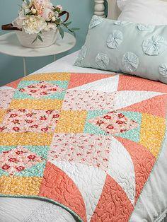 Big Block Quilts, Lap Quilts, Scrappy Quilts, Quilt Blocks Easy, Panel Quilts, Quilting Tutorials, Quilting Designs, Quilting Tips, Quilt Design