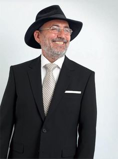 "Sacouri ""SEROUSSI"" Black Label | Seroussi -producător și distribuitor de costume bărbătești Suit Jacket, Costume, Suits, Table, Jackets, Fashion, Down Jackets, Moda, Fashion Styles"