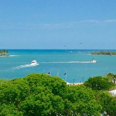 Can we interest you in a view like this?  #keywest #hyattkeywest #viewfromthetop #oceanview #waterfront #gulfofmexico #paradise #placestostay #vacation [repost from @floridayskeywest]