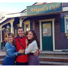 We're Back!!! @erinkrakow @dlissing @hallmarkchannel #whencallstheheart #season2 http://instagram.com/p/vgoxJeOgKB/