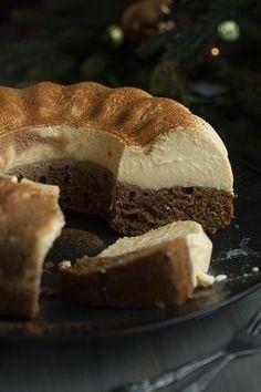 Ein unglaublich leckeres weihnachtliches Rezept mit dem ihr sicherlich viel Eind… An unbelievably delicious Christmas recipe with which you certainly make a lot of impression, although it is so easy to make! Gingerbread Cheesecake, Gingerbread Cake, Christmas Cheesecake, Cheesecake Cookies, Keto Cheesecake, Baking Recipes, Cookie Recipes, Dessert Recipes, Flan Cake