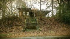 Abandoned Ohio, Old Abandoned Houses, Abandoned Buildings, Abandoned Places, Arizona Usa, Haunted Places, Urban Decay, The Good Place, Building A House