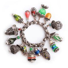 Винтажный браслет с крупными чармами