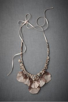 full petal necklace