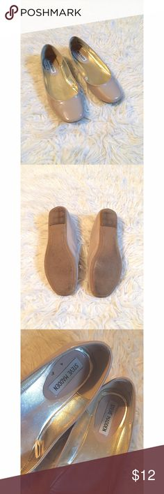 • Don't Survive- THRIVE • Size = 7 , nude flats, by Steve Madden, glossy look, great shape , only blemish is from the insides & bottom which can't be seen when worn.  ~ I DO NOT SWAP, SO PLEASE DON'T ASK. YOU WILL BE IGNORED.  ~ I NO LONGER HOLD MY ITEMS, FIRST COME FIRST SERVE.   ~YOUR PURCHASE WILL BE SHIPPED WITHIN 24-48 HOURS AFTER PURCHASED, FROM THAT POINT ON I CANNOT CONTROL HOW LONG IT WILL TAKE FOR THE SHIPPING SERVICE TO GET IT TO YOU. *PLEASE BE PATIENT*  ~I AM MORE THAN HAPPY TO…