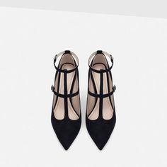 Image 4 of HIGH HEEL SHOES WITH ANKLE STRAPS from Zara