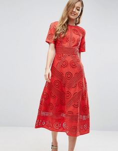 Rotes kleid hochzeit gast