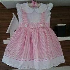 Bildergebnis für vestidos com aplique infantil Frocks For Girls, Little Girl Outfits, Little Dresses, Little Girl Dresses, Girls Dresses, Baby Dresses, Dress Girl, Baby Dress Design, Baby Girl Dress Patterns