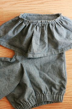 Clay In His Hands: Girl's Ruffle Pants {Tutorial} when I learn to use my machine!