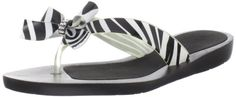 Guess Women's Tutu2 Flip Flop Black Multi - Classy and Sophisticated sandal for summer.