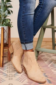 These Oat Faux Suede Heeled Booties Will Look Fabulous With Your Fav Pair Of Jeans! Color: Oat Western Style Faux Suede Slip On Pull Up Tab On Back Chunky Heel Stretchy Side Panels Oval Toe Heel True To Size Launched: No Restock Low Heel Boots, Suede Ankle Boots, Suede Booties, Suede Heels, Women's Boots, Booties Outfit, Fall Booties, Fall Winter Shoes, Booty
