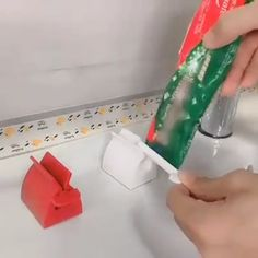 Manual Toothpaste Squeezer - Somehow, it was refreshing ! - Manual Toothpaste Squeezer – Somehow, it was refreshing !
