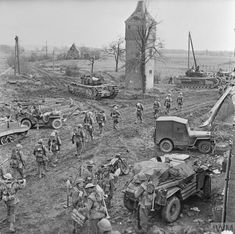 Ww2 Pictures, Military Pictures, Ww2 Photos, Canadian Army, British Army, British Tanks, Army Infantry, History Online, War Dogs