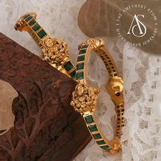 Gold Bangles For Women, Gold Bangles Design, Gold Jewellery Design, Jewelry Design Earrings, Gold Earrings Designs, Jewelry Art, Silver Jewelry, Ruby Bangles, Gold Wedding Jewelry