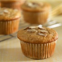 Banana-Pineapple Muffins-is an easy recipe for delicious muffins made with bananas, pineapple and plantain, baked in the oven and garnished with almonds. It is also a healthy, low calories, low fat, low sodium, low sugars, low carbohydrates, heart-healthy, diabetic and Weight Watchers (5) PointsPlus recipe. Makes (15) muffins.