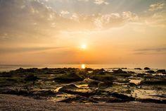 晨間限定。  日出。  #澎湖 #菊島 #果葉 #日出 #penghu #sunrise #Dawn #photography #canon #600d #lightroom #travel #landscape #beach #view #sea #cloud #sky #rock http://tipsrazzi.com/ipost/1509173326801923299/?code=BTxqSUQhezj