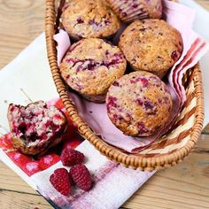 Thanks to @kayla_itsines for this super easy muffin recipe. If only they were the secret to looking amazing as her....  2 cups wholemeal flour 4 tsp baking powder 2 tsp ground cinnamon 1 banana, mashed 40ml olive oil 1 egg, lightly whisked 160ml low-fat milk 60g low-fat plain yoghurt 2 tbsp maple syrup 100g frozen raspberries.  Bake in the oven for 20 minutes.  And try not to eat all twelve at once #onefinebaby #snack #healthy #kaylaitsines #bbg