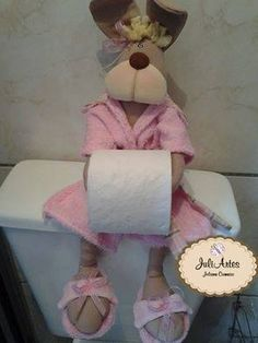 КУКЛЫ-ДЕРЖАТЕЛИ ТУАЛЕТНОЙ БУМАГИ: prelenka — LiveJournal Diy Doll Toilet, Felt Crafts, Diy And Crafts, Ever After Dolls, Toilet Paper Roll Holder, Bathroom Crafts, Doll Eyes, Sewing Dolls, Cute Dolls