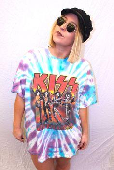 Kiss Tie Die Tee XL