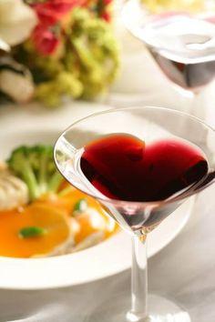 ♪【送料込】ハートが浮き上がるワイングラス ペアセット♪ $1980 円
