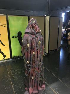 Witch cloak back