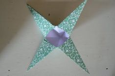 Make Hanging Christmas Stars. - The Magic Onions Christmas Stars, Christmas Ornaments, Hanging Stars, Star Decorations, Onions, Magic, Holiday Decor, Pretty, Handmade