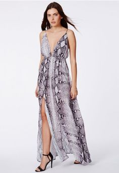 Hadriana Maxi Split Dress In Snake Print - Dresses - Maxi Dresses - Missguided