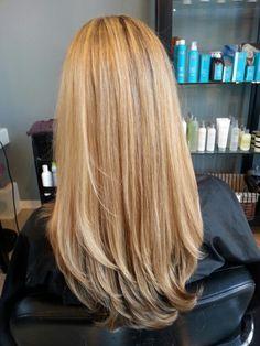 light blonde with gold mostly at base. Short Hair Mohawk, Haircuts For Wavy Hair, Short Sassy Hair, Black Curly Hair, Short Hair Cuts, Short Hair Styles, Blonde Hairstyles, Layered Hairstyles, Pixie Haircuts